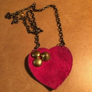 Jewelry - Pink suede studded heart necklace 💘💕💞💝